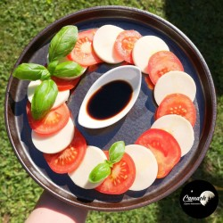 Tomates-Mozzarella et sa...